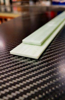 Glasfiber plattstång 24 x 4 x 2000 mm Grå/vit
